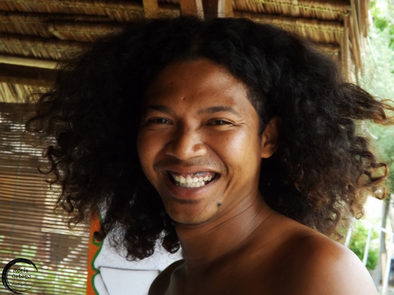 vendedor de artesania en gili air indonesia