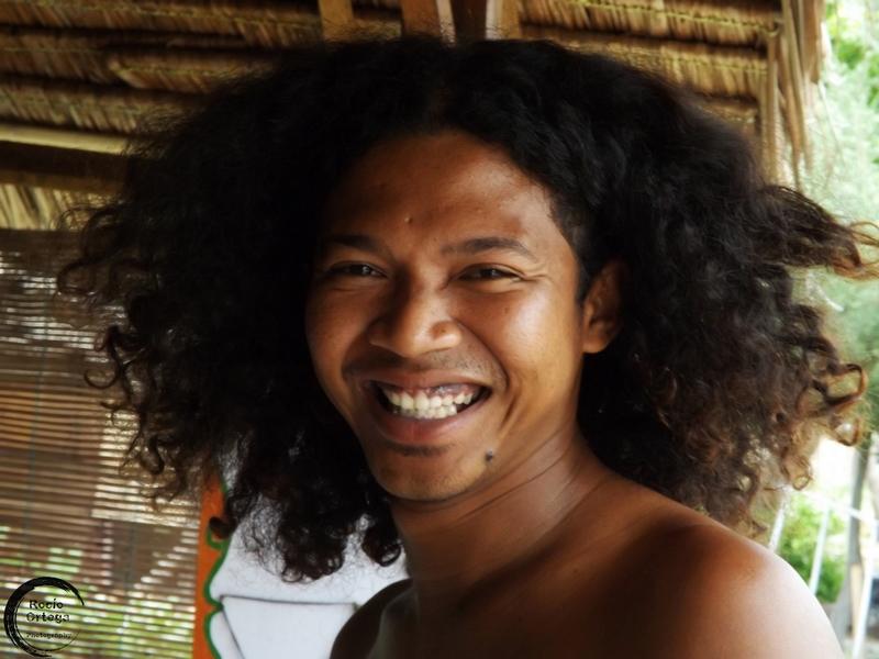 vendedor de artesania en gili air indonesia