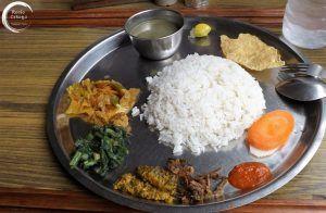 Plato tradicional de Nepal: Dal Bhat