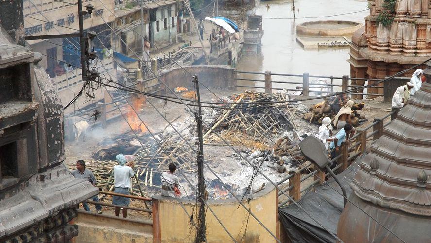Cremaciones en Varanasi. Curiosidades sobre India