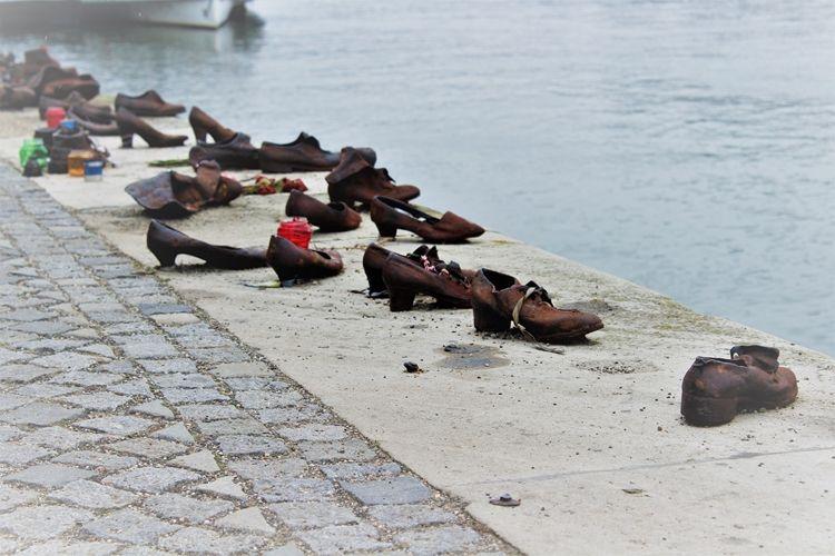 Qué ver y qué hacer en Budapest. MONUMENTO A LOS ZAPATOS