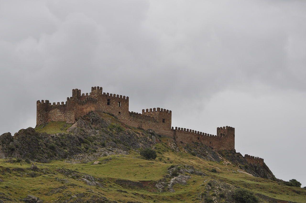 Castillo de la Riba de Santiuste (Guadalajara). Foto tomada de Escapada Rural