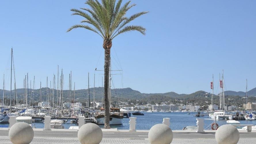 San Antonio (Ibiza). Puerto y paseo marítimo.